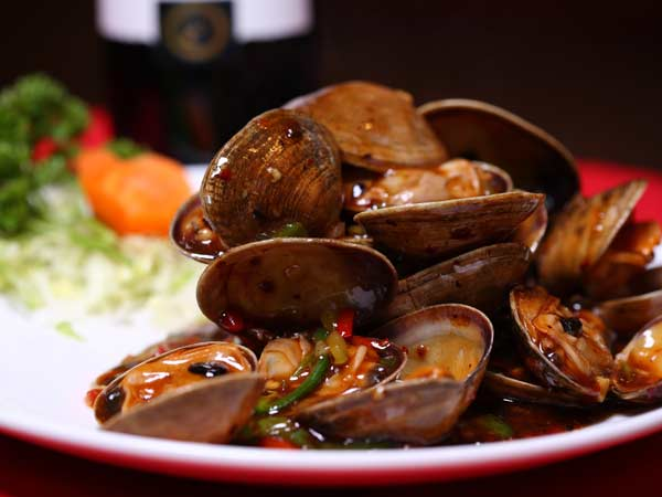 Sauteed Clams with Black Bean Sauce